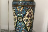Pareja de lámparas de bronce y esmalte cloisonné