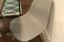 Mesa y cuatro sillas Eames
